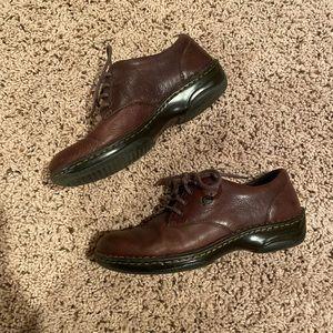 Born women's lace up leather dress shoe